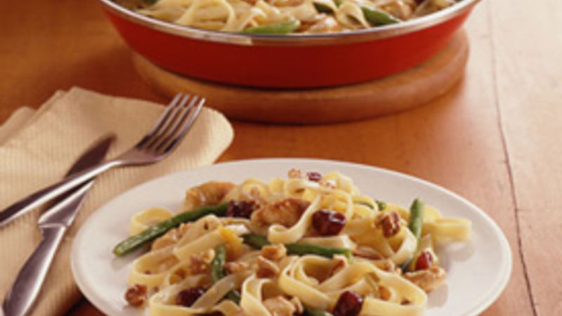 Fettuccine and Chicken in Orange-Cherry Sauce