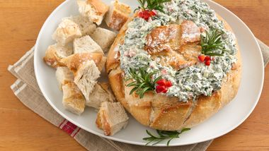 Easy Spinach Dip Wreath