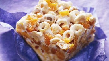 Peach-Cereal Bars