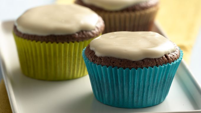 Chocolate Cupcakes with Vanilla Yogurt Caramel Frosting