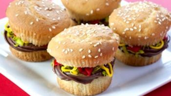 Juicy Lucy Burger Cupcakes