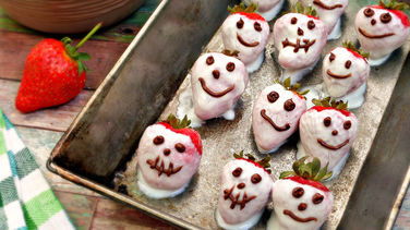 Strawberry and Yogurt Skulls
