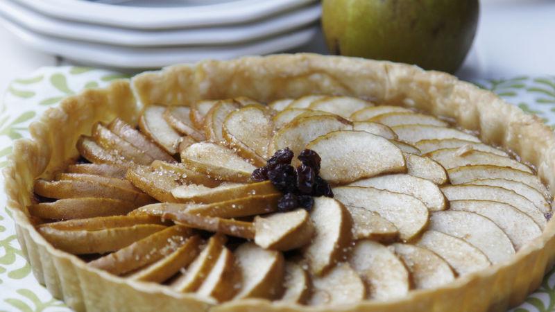 Cinnamon Raisin Apple Tart