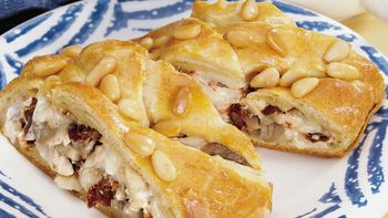 Roasted Garlic-Turkey Crescent Braid