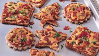 Cheese and Sun-Dried Tomato Canapés
