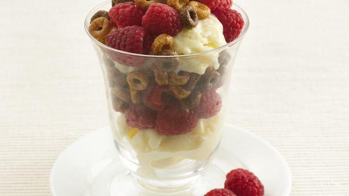 Chocolate-Raspberry Frozen Yogurt Parfaits