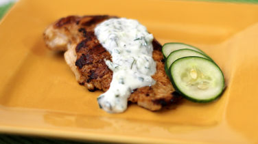 Grilled Chicken with Cucumber and Yogurt Sauce