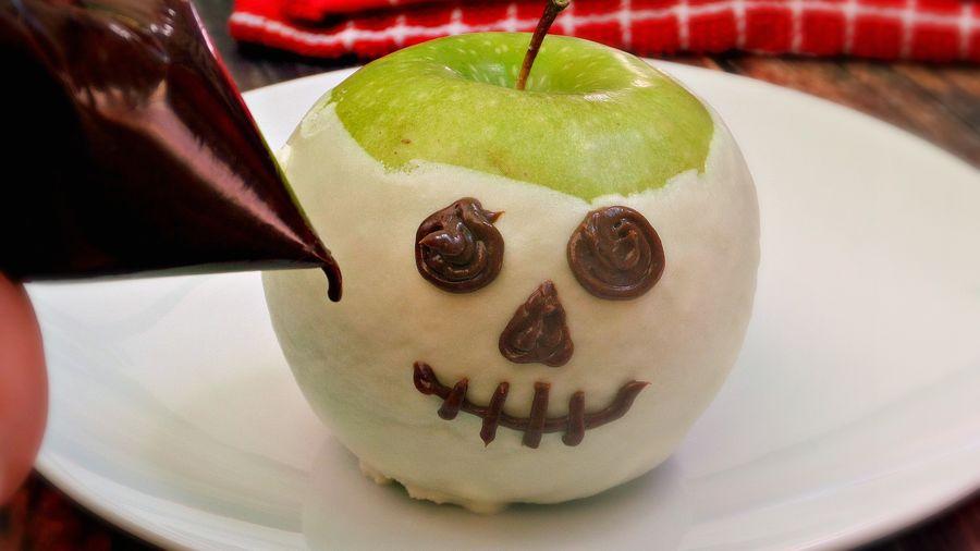 Receta de Calaveritas de Manzanas Decoradas | QueRicaVida.com