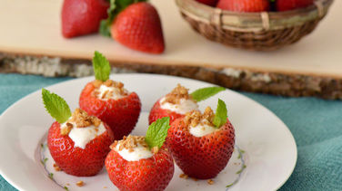 Fresas Rellenas de Yoplait® Greek