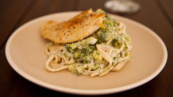 Greek Yogurt Chicken Broccoli Alfredo