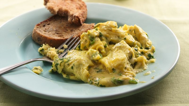 Scrambled Eggs with Havarti and Wine