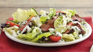 Steak Salad with Creamy Dressing