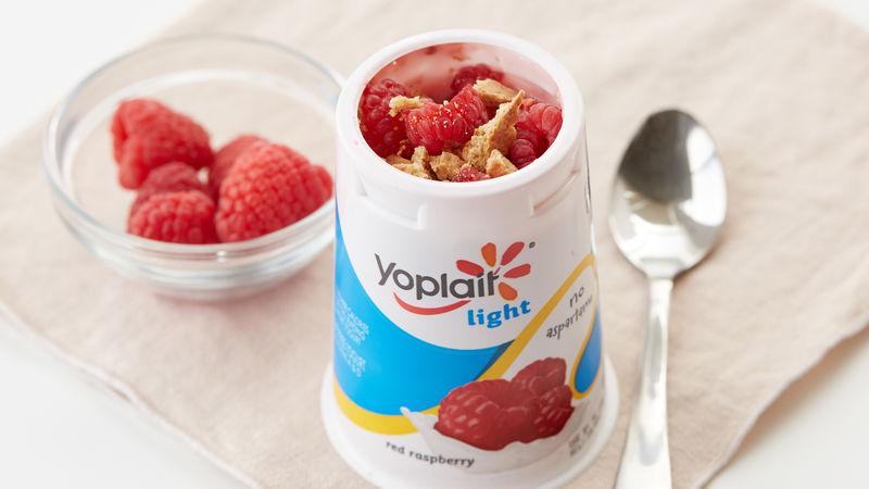 Raspberry Graham Cracker Yogurt Cup