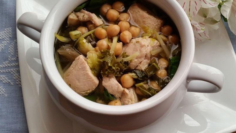 Sopa Toscana de Pollo, Garbanzos y Vegetales
