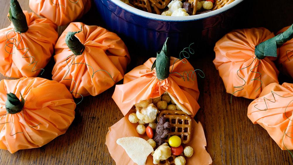 Pumpkin Party Mix