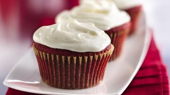 Red Velvet Cupcakes with Marshmallow Buttercream Frosting