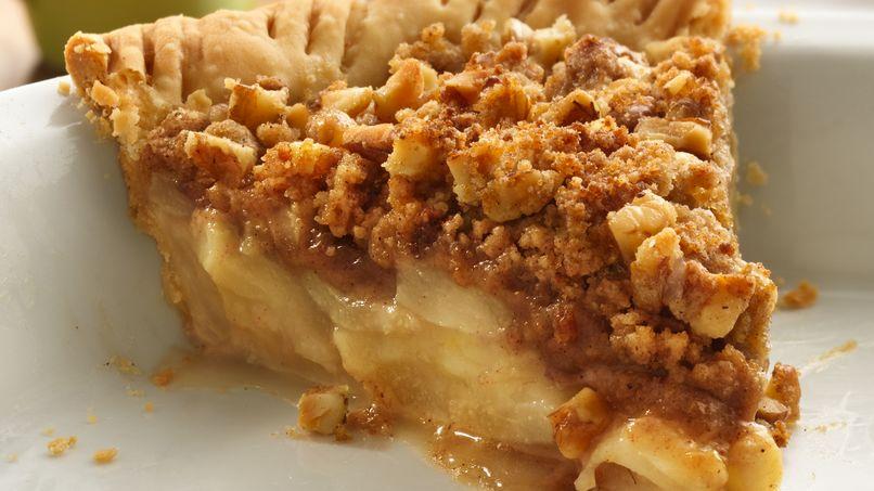 Pear-Walnut Crumble Pie