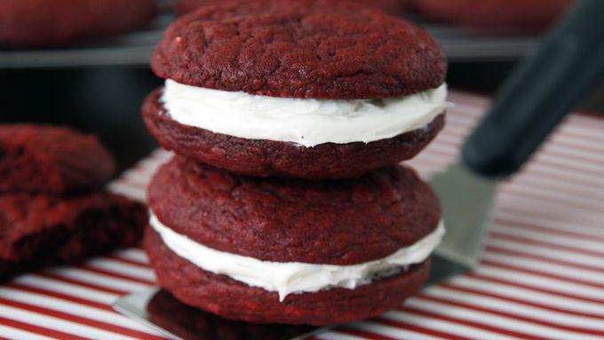 Red Velvet Whoopie Pie Cookies