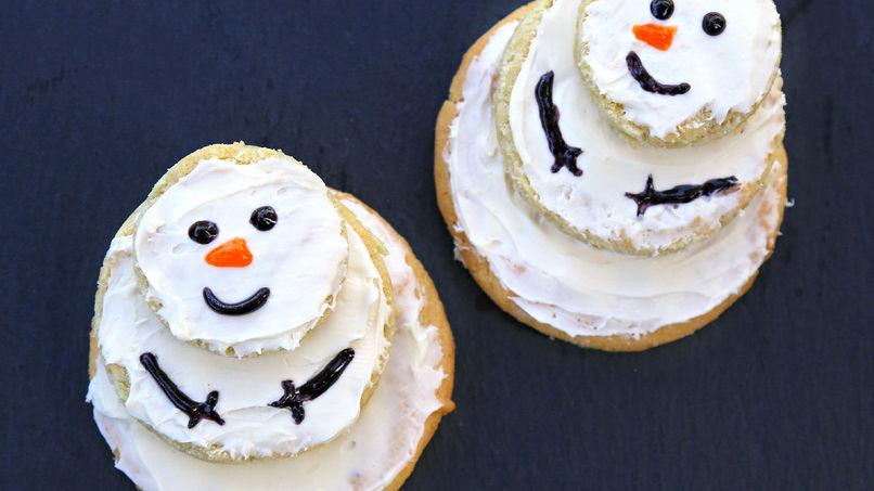 Betty Crocker™ Snowman Cookie Stacks
