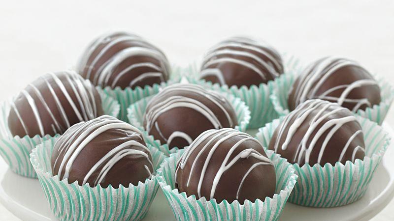 Triple-Chocolate Fudge Cake Truffles