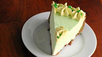 Boozy Shamrock No-Bake Cheesecake