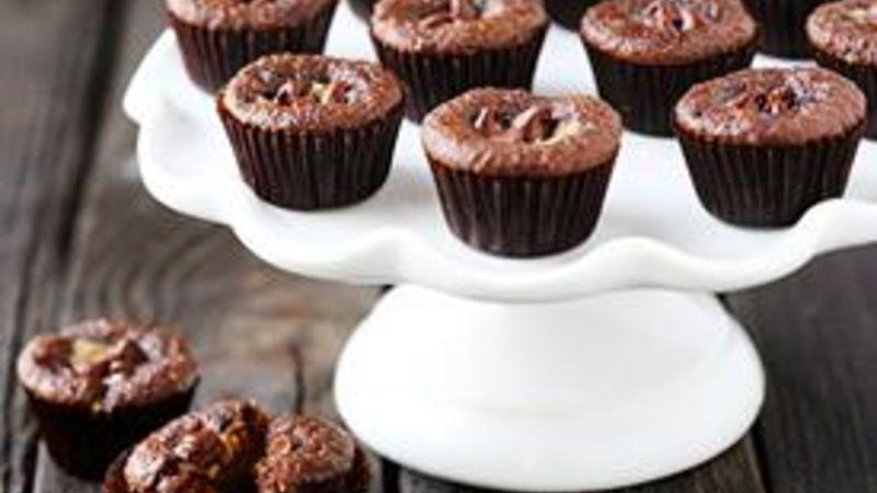 Mini Chocolate Peanut Butter Cupcakes