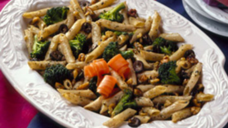 Broccoli-Walnut Mostaccioli Salad