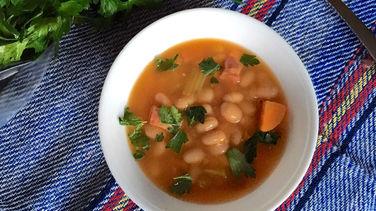 Sopa de Jamón y Frijoles Blancos