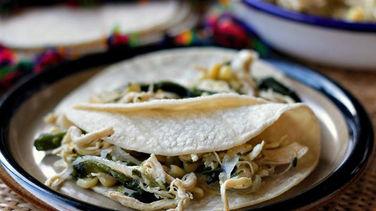 Tacos de Pollo a la Poblana