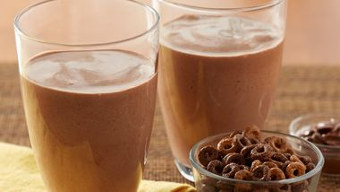 Chocolate Hazelnut Breakfast Smoothies