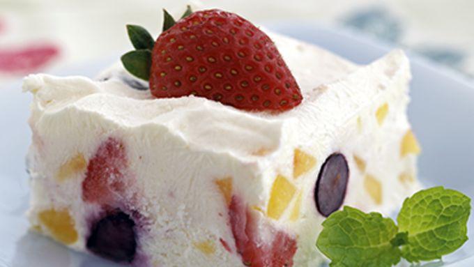 Skinny Creamy Peach-Berry Dessert