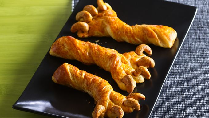 Halloween Crescent Claws