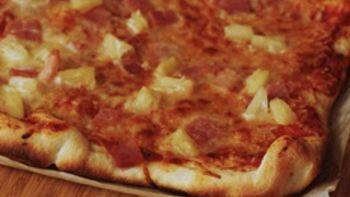 Easy Hawaiian Pizza