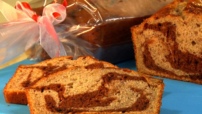 Chocolate-Hazelnut Swirled Banana Bread