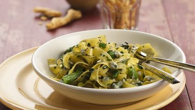 Tagliatelle Pasta with Asparagus and Gorgonzola Sauce