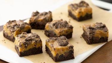 Gooey Caramel-Chocolate Bars
