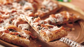 Sun-Dried Tomato and Prosciutto Pizza