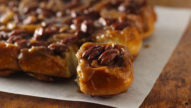 Caramel-Pecan Sticky Rolls