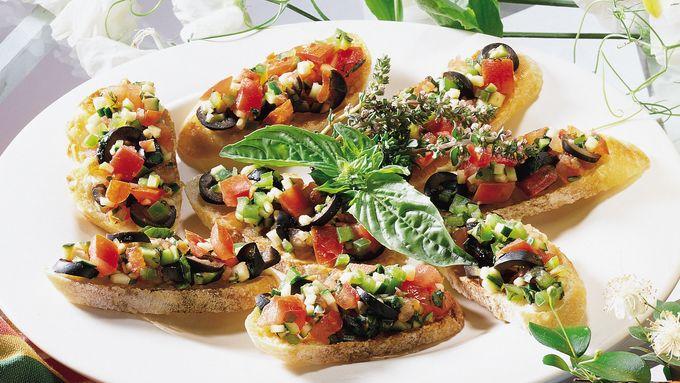 Fresh Tomato-Zucchini Salsa Crostini