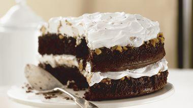 Peanut-Caramel-Candy Bar Cake