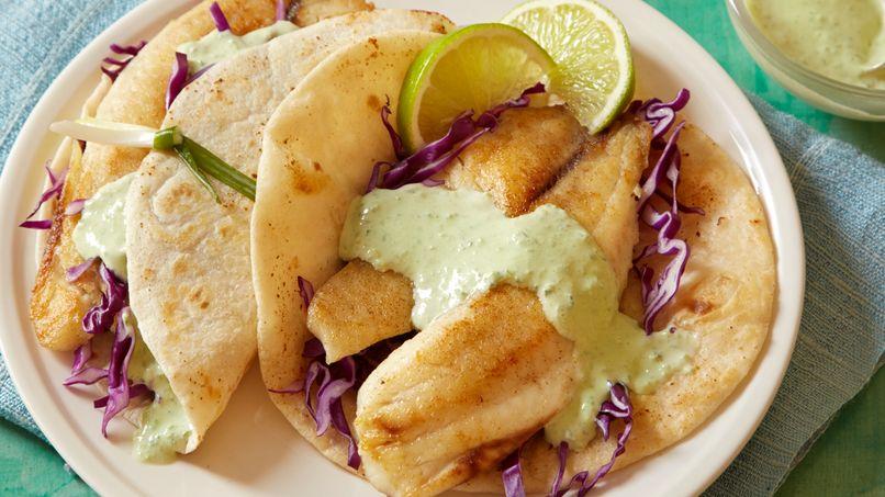 Tacos Marineros con Salsa Cremosa a los Dos Chiles