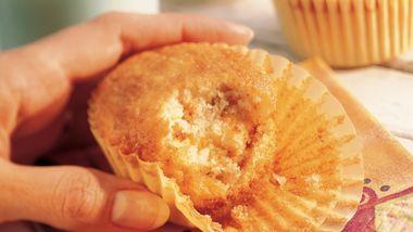 Banana-Toffee Picnic Cupcakes