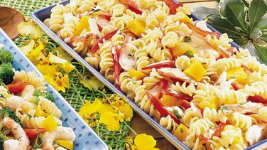 Ensalada de Cangrejo y Pasta Estilo Caribeño