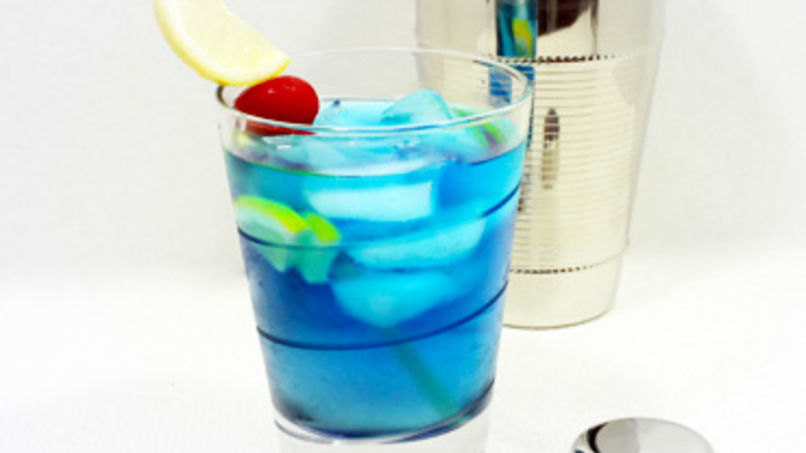 Blue lagoon cocktail  Blue Lagoon Cocktail Recipe | Que Rica Vida