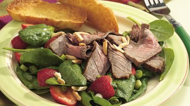 Grilled Beef with Spinach and Strawberry Salad