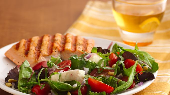 Caprese Salad with Greens