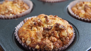 Muffins with Cereal Streusel