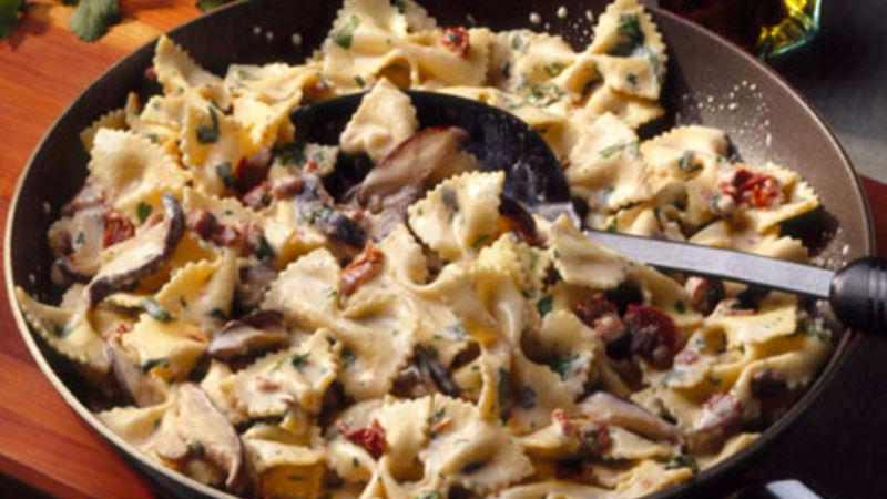 Farfalle with Mushroom-Cilantro Sauce
