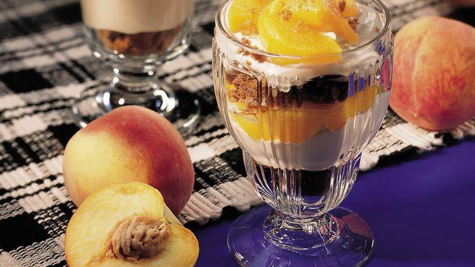 Creamy Caramel-Peach Parfaits