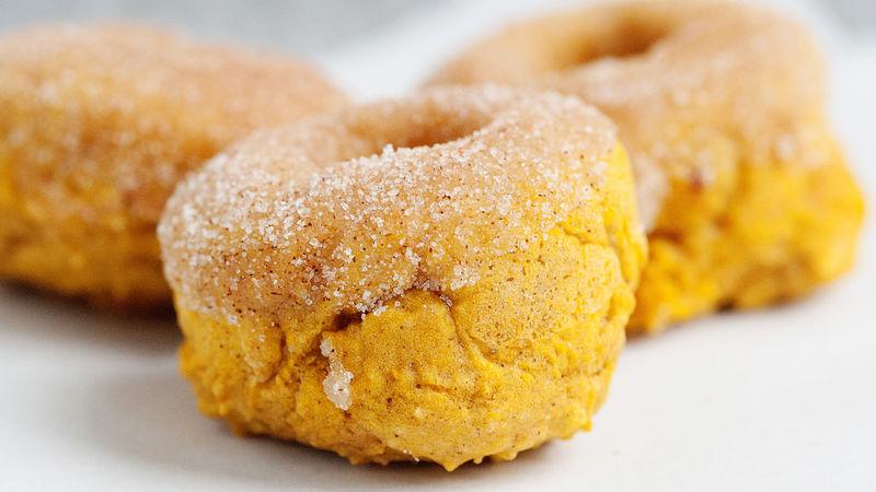 Baked Pumpkin Doughnuts with Cinnamon Sugar